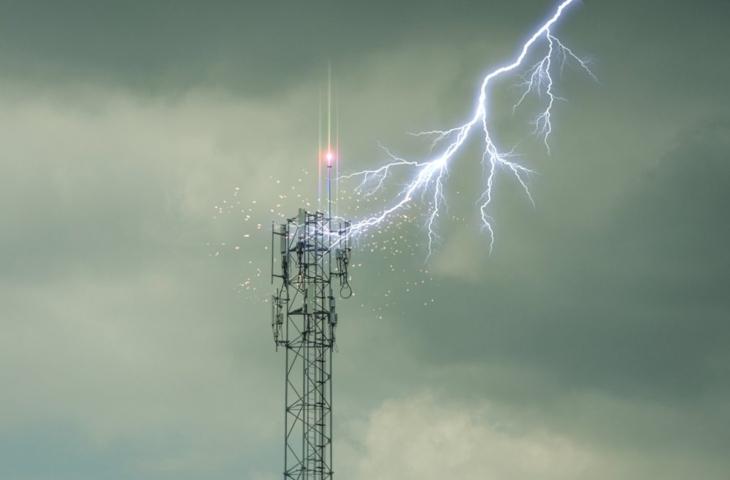 mobiele antenne bliksem